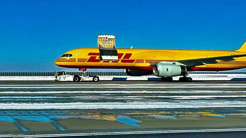 Puerta de carga del Boeing 757 de DHL que se abrió en vuelo