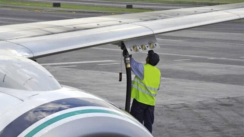 los aviones usan combustible diferente segun su motor