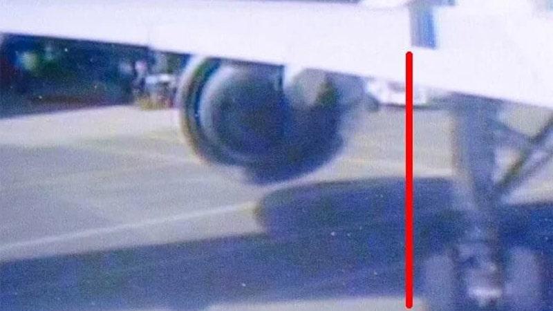 la linea negra permite conocer la situacion del tren de aterrizaje