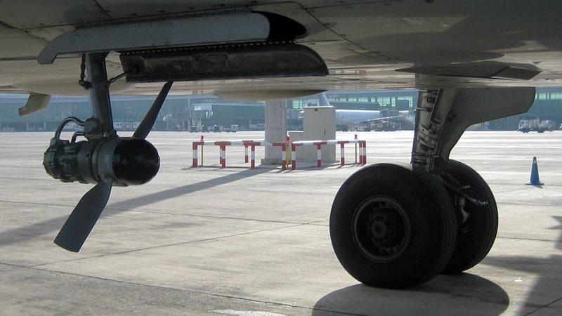 la ram air turbine es una helice que se despliega en caso de fallo total del avion